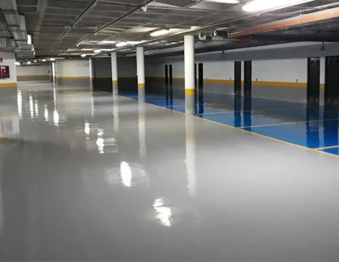 Pintado epoxi 100% sólidos para sistema parking en Pivema